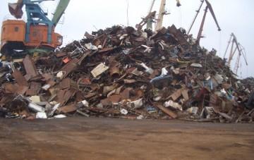 Погрузка металлолома в Николаевском речном порту